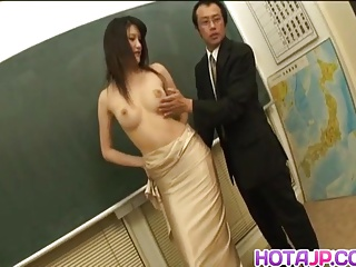 Suzuki Chao Asian babe gets hairy pussy pounded while giving