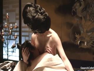 Lim Ji-Yeon & Lee Yoo-Young - The Treacherous