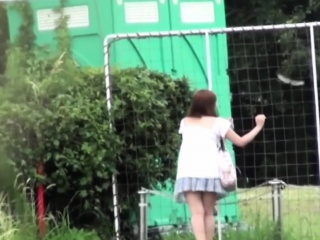 Japanese hottie urinating