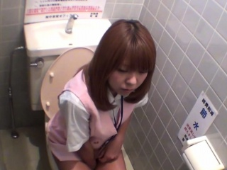 Japanese sluts pee on cam