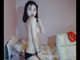 Petite Asian Girl Shaking Body On Cam