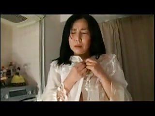 Japanese Mom Teaches English