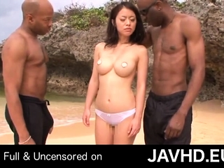 Two Ebony Crowd A Japanese Woman To Bonk