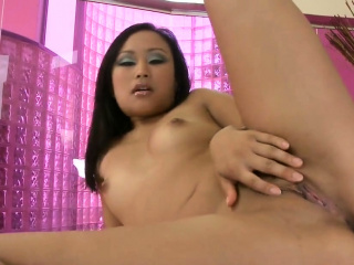 Luscious idol is showing her opened yummy vagina in c74SqB