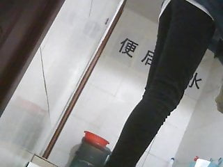 Chinese college students at the restroom 1