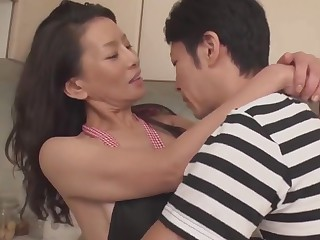 Matured Mom taking be passed on virginity be required of 30+ son
