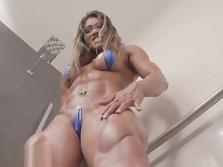 Fon_Thailand_Muscle Girl