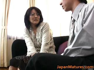Mature real asian woman acquiring part3